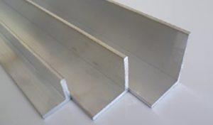 Tres perfiles de angulo de aluminio