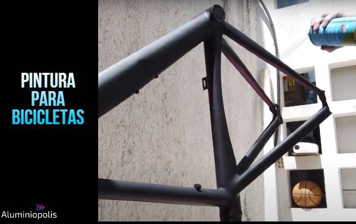 pintando una bicicleta de aluminio a spray