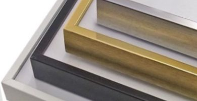 Varios marcos en aluminio para enmarcar cuadros