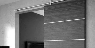 puerta corrediza de aluminio colgante